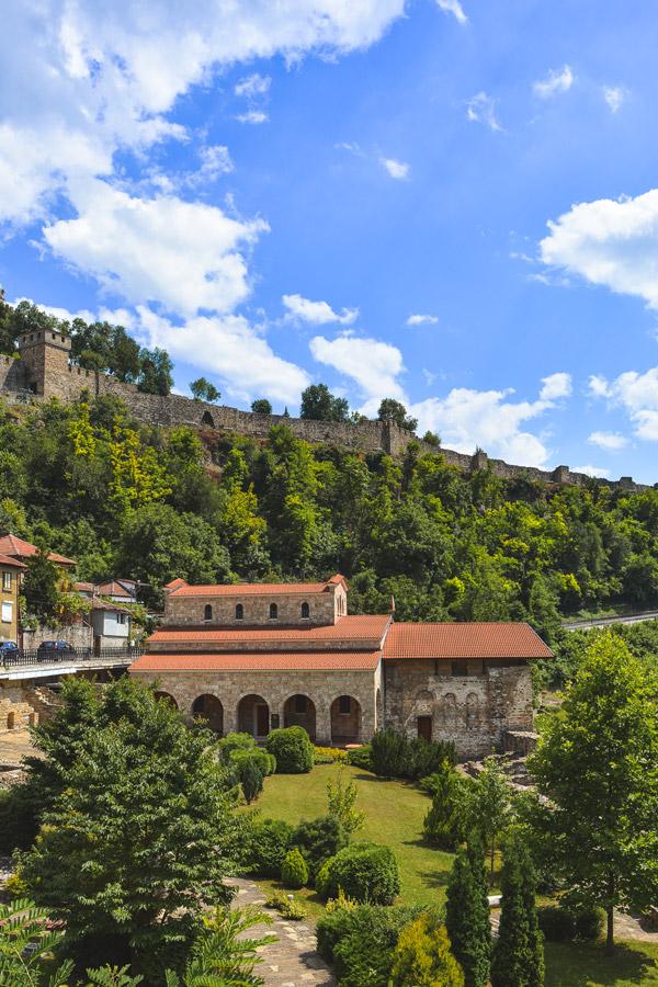 Vista para a Igreja Martyrs em Veliko Tarnovo, Bulgaria