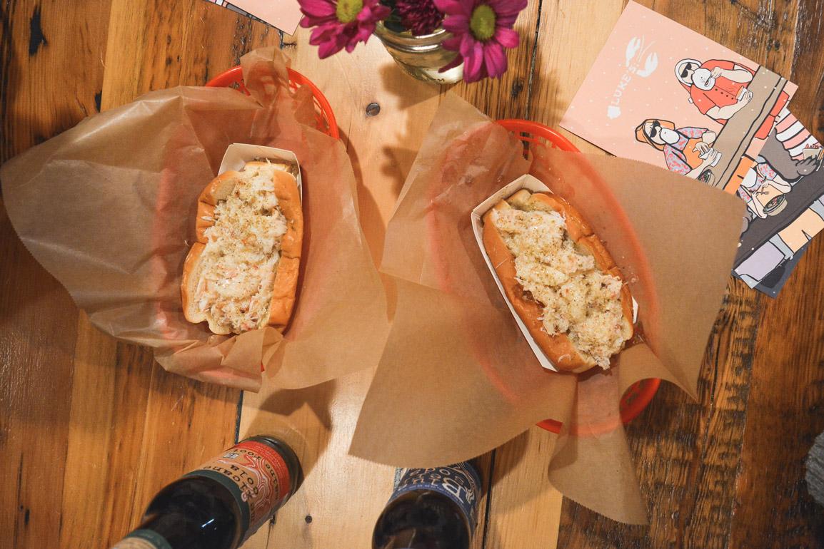 Deliciosas sandes de caranguejo no Luke's Lobster em Nova Iorque