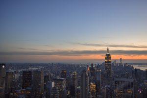 Pôr do sol sobre Nova Iorque visto do miradouro do Top of the Rock