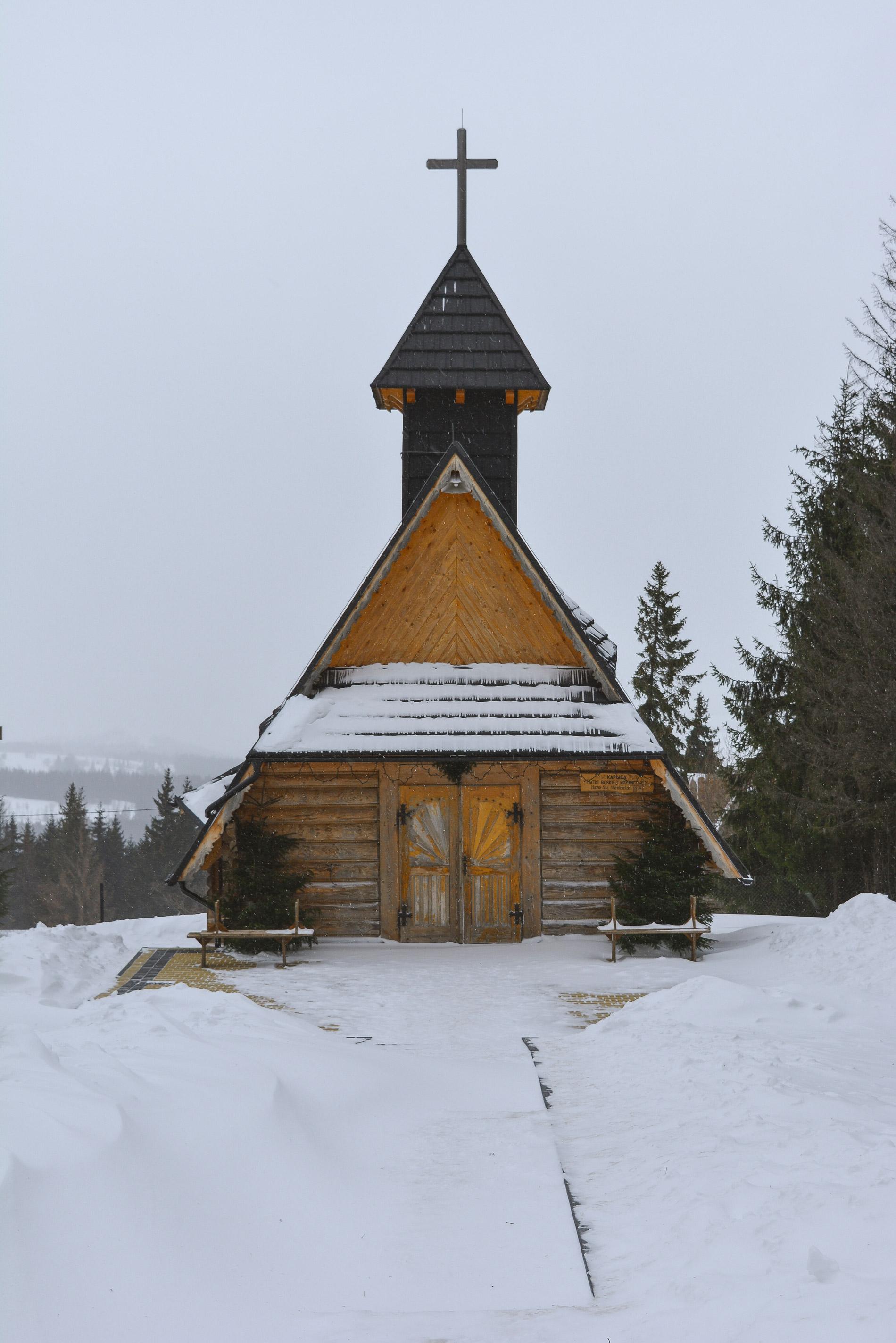 Igreja no topo das montanhas do Sul da Polónia