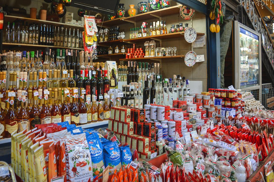 É difícil viajar na Polónia e na Hungria sem querer trazer a mala recheada de souvenirs