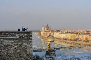 Vista do Castelo de Buda para o outro lado do rio Danúbio