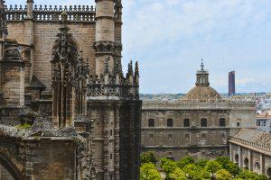 A Catedral é uma das principais atrações em Sevilha e vale a pena uma visita