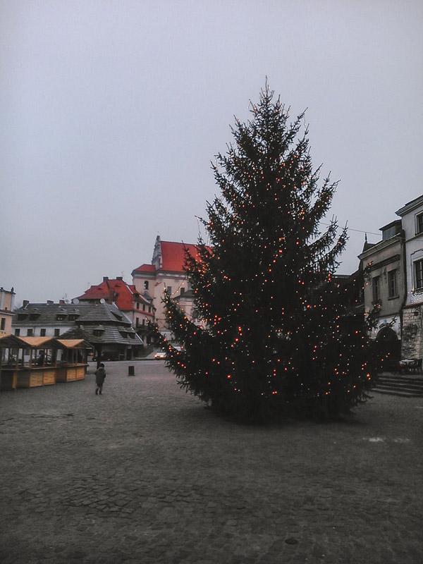 Árvore de Natal em Kazimierz Dolny na Polónia