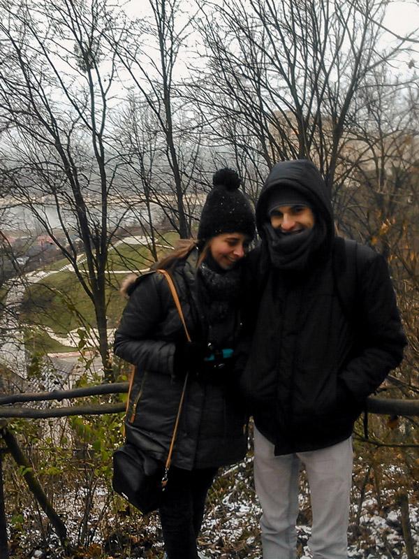Nós no miradouro em Kazimierz Dolny na Polónia