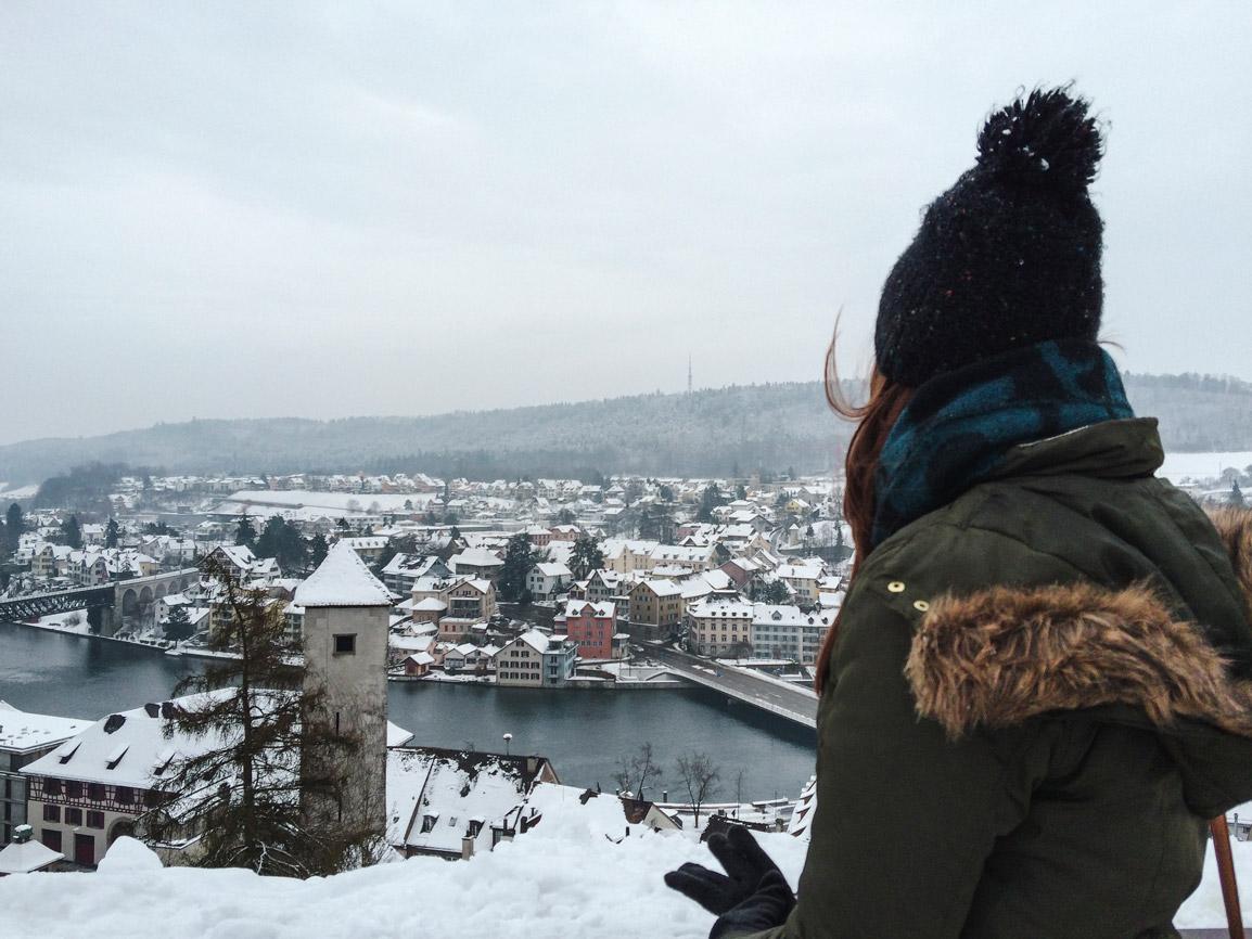 Vista do Munot sobre a cidade de Schaffhausen coberta de neve