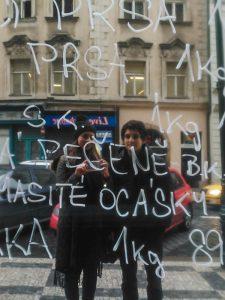Selfie num espelho aleatório em Praga