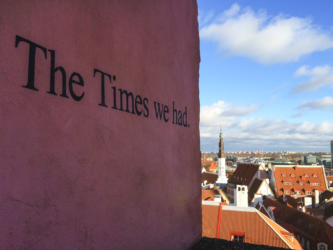 Mural inspirador em Tallinn