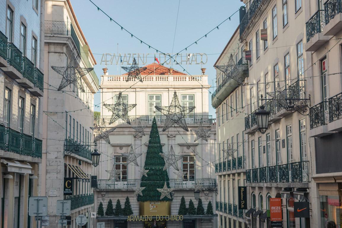 Decorações de Natal no Chiado em Lisboa