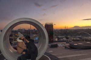Pôr do Sol no terraço do museu Nemo em Amesterdão