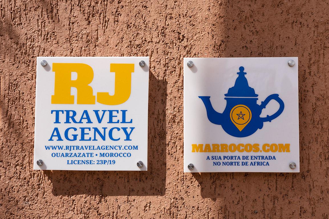 Sinais das agências de viagem de João Leitão em Marrocos