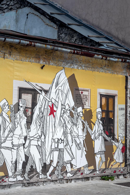 Mural na cidade de Cetinje, a antiga capital do Montenegro