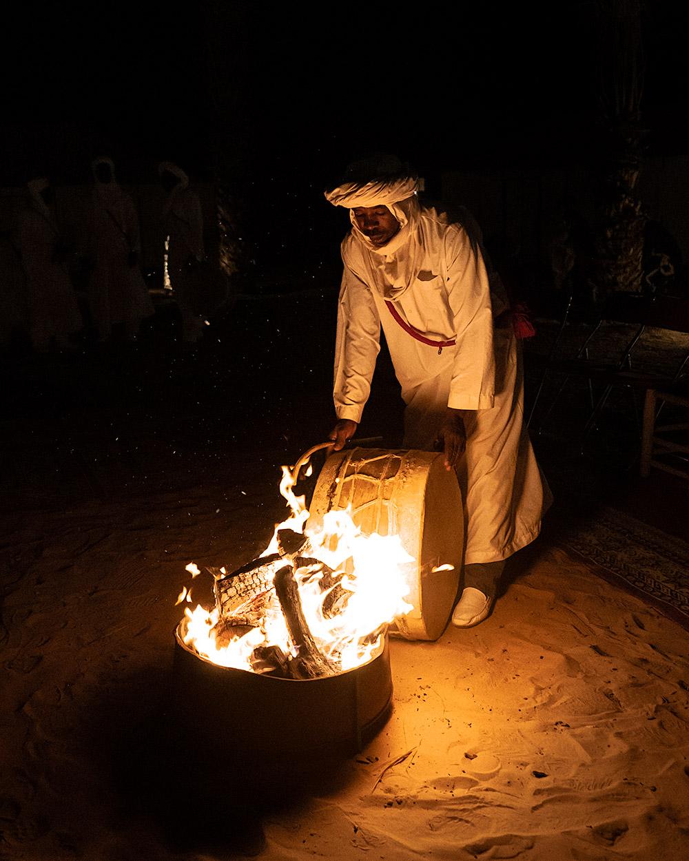 Uma noite mágica no deserto em Marrocos