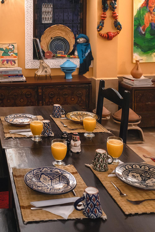 Pequeno almoço no alojamento Dar Rita em Ouarzazate, Marrocos
