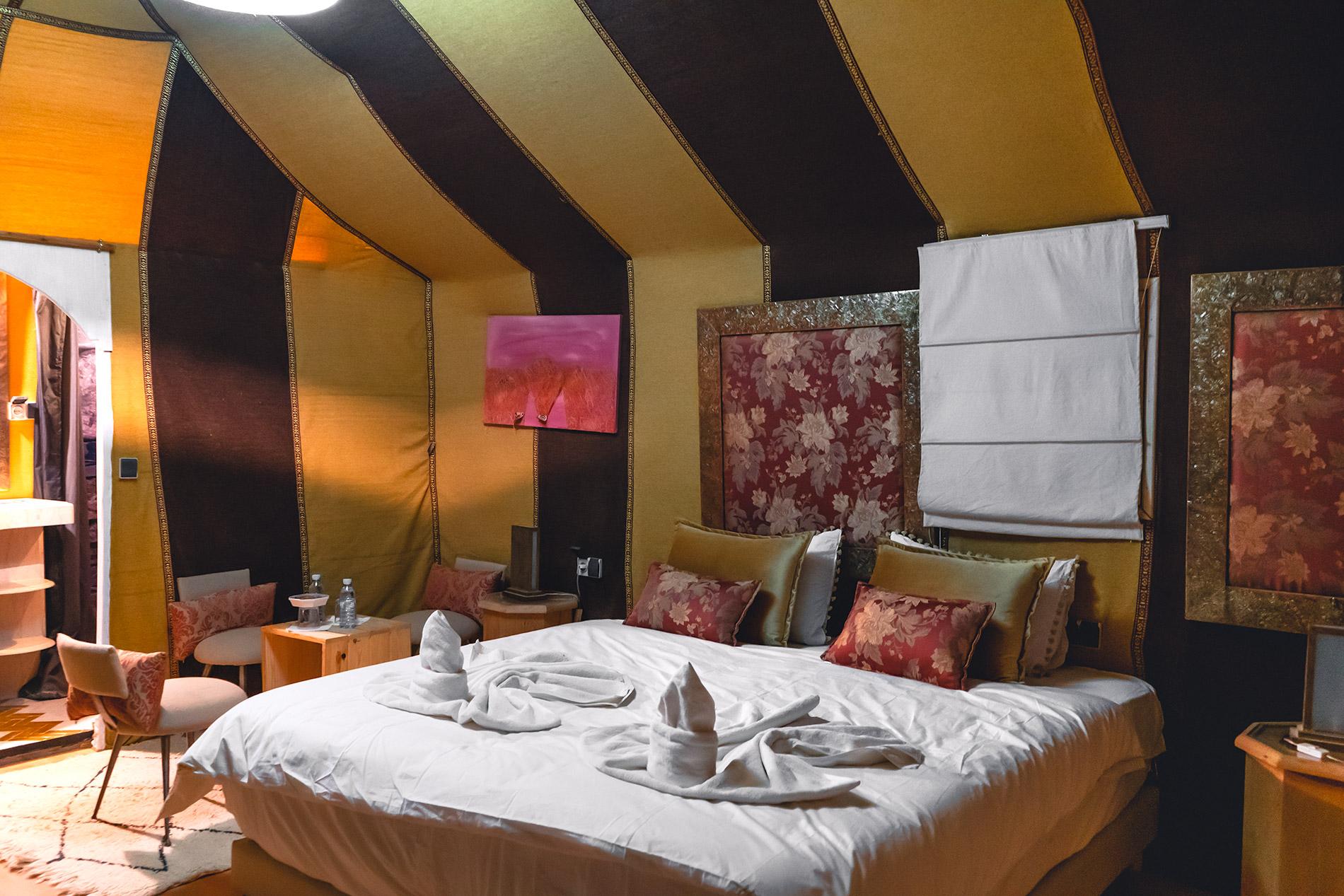 O nosso quarto para passar a noite no deserto em Marrocos