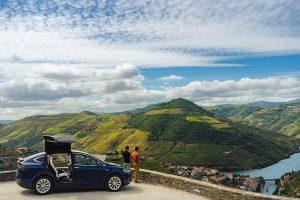 Um passeio no Douro de Tesla com a Portugal EV Tours